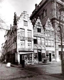 Vrijdagmarkt hoek Meerseniersstraat - Rudy Van Cauteren - Fb