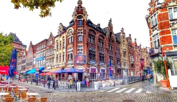 GentBaudelovrijdagmarktA.HaggertyFb